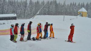bad ski news -- children at a ski lesson